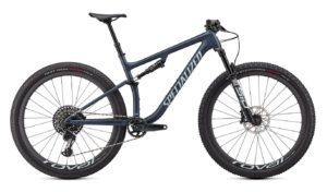 Specialized Epic Evo Expert 2021 Frontansicht in der Farbe Satin Cast Blue Metallic/Ice Blue
