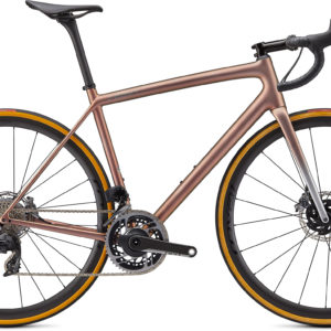 Specialized S-Works Aethos - SRAM Red ETap AXS 2021 Frontansicht in der Farbe Satin Flake Silver/Red Gold Chameleon Tint/Brushed Chrome